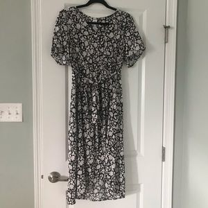 Gap Maternity Black White Floral Wrap Midi Dress
